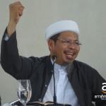 Khutbah 'Idul Adha 1433 H: Syari'ah Islam Solusi Globalisasi Menghadapi Musibah & Bala Bencana